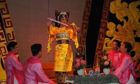 Hoai Linh tran tinh voi GS Tran Quang Hai ve Chau Van hinh anh 1