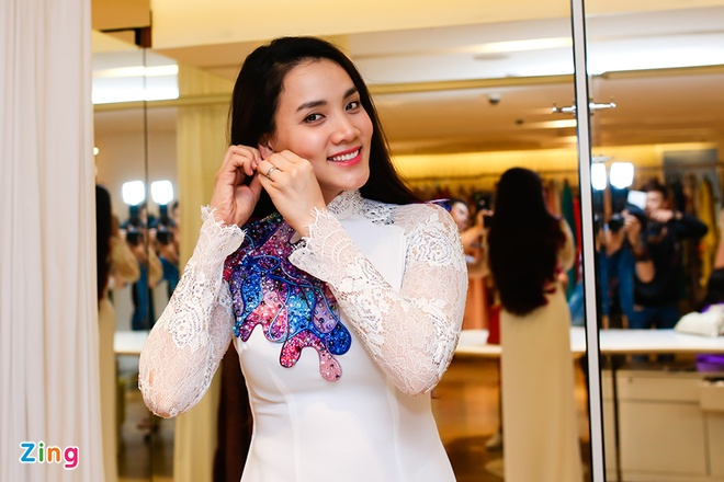 Trang Nhung mot minh di thu ao dai cuoi hinh anh 4