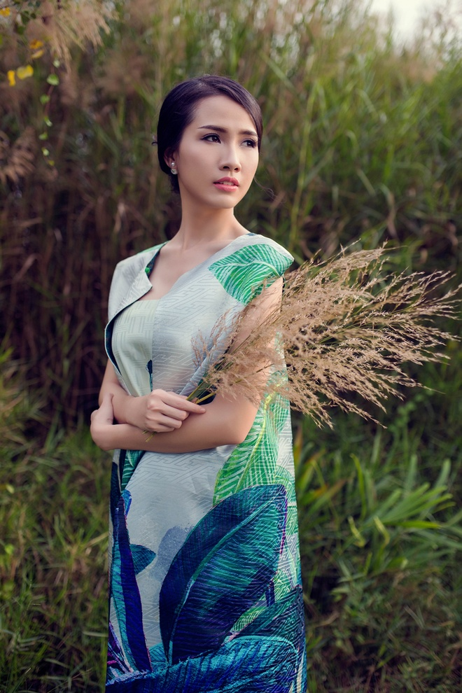 Phan Thi Mo diu dang trong nhung thiet ke hoai co hinh anh 1