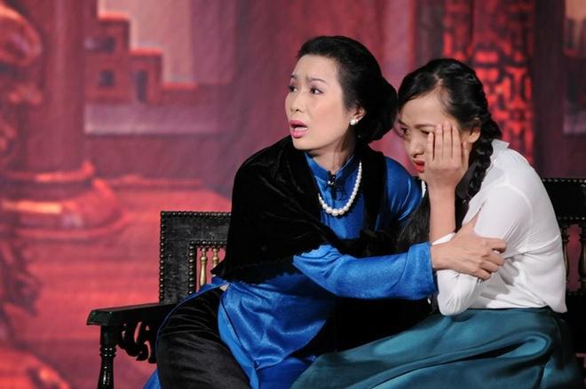 Trinh Kim Chi: 'San khau kich dang o tinh trang bao dong' hinh anh 3