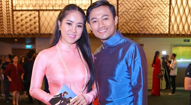 Quy Binh - Le Phuong than thiet o su kien thoi trang hinh anh