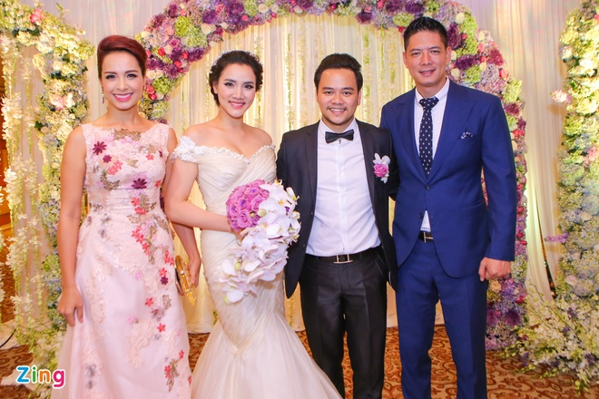 Sao Viet chuc mung Trang Nhung len xe hoa hinh anh 1