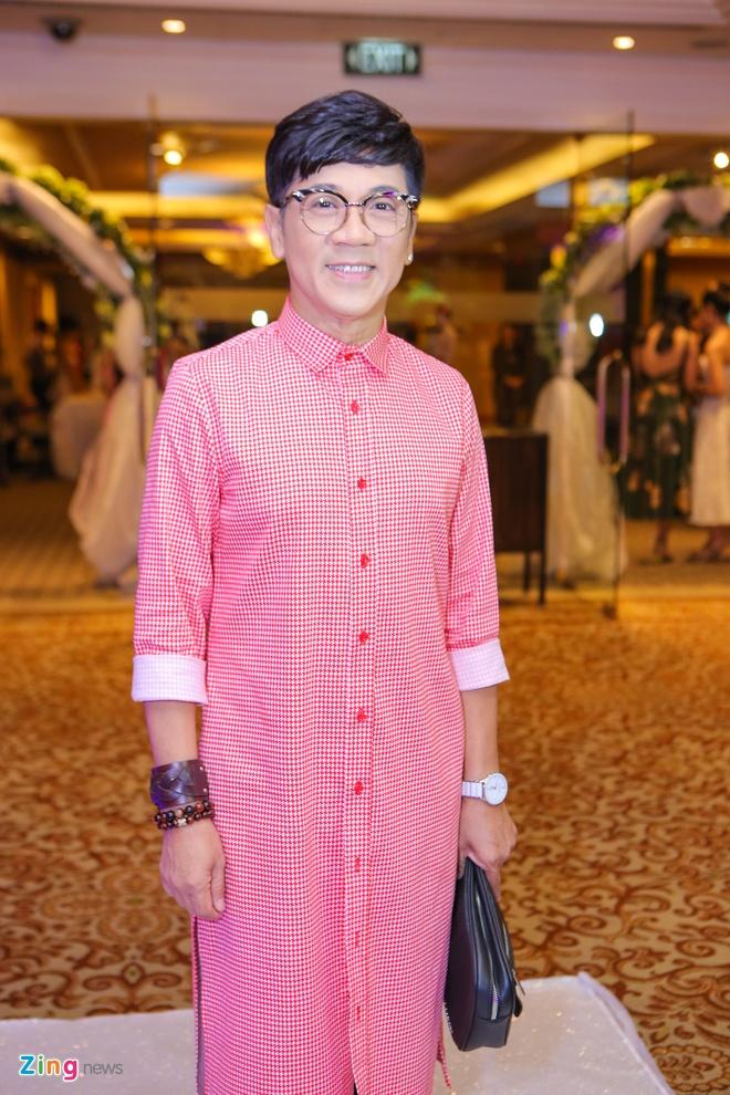 Sao Viet chuc mung Trang Nhung len xe hoa hinh anh 3