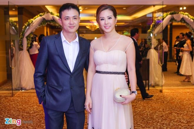 Sao Viet chuc mung Trang Nhung len xe hoa hinh anh 4