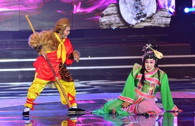 Hoai Linh, Quang Linh tranh cai ve vai gia gai cua Quoc Dai hinh anh 5