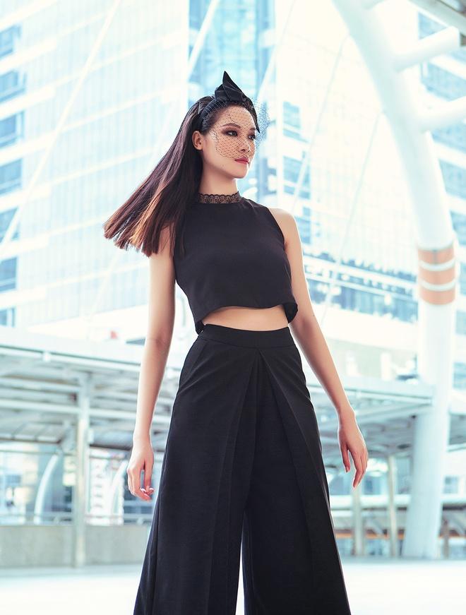 Hoa hau Thuy Dung kieu sa tren duong pho Bangkok hinh anh 7