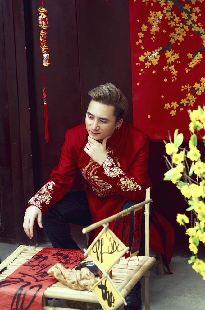 Phan Manh Quynh banh bao voi ao dai du Xuan hinh anh 5