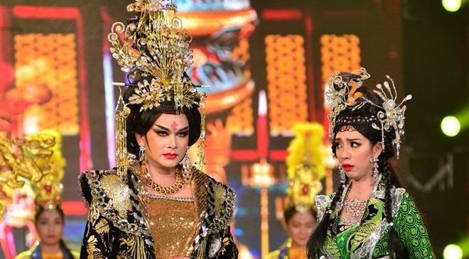 Hoai Linh thich thu vai Vo Tac Thien cua Huu Quoc hinh anh