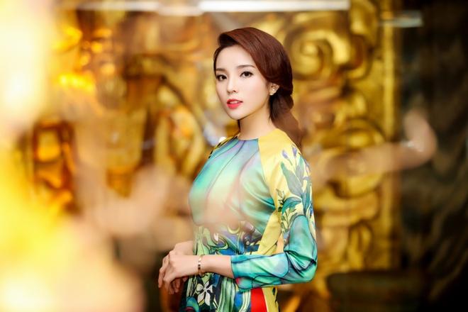 Hoa hau Ky Duyen, Ngoc Han dien ao dai duyen dang hinh anh 2