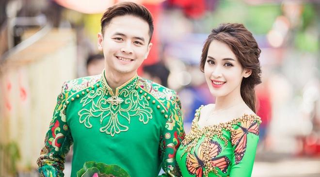 Vo chong Tu Vi - Van Anh dien ao dai doi hinh anh