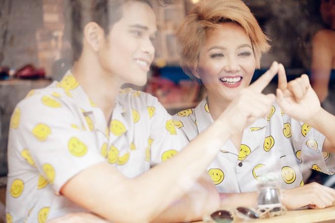 Cap mau Tay Nguyen goi y trang phuc Valentine ngot ngao hinh anh 2