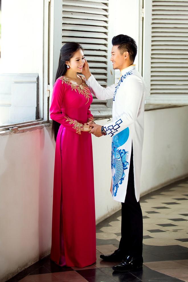 Le Phuong - Quy Binh van dep doi voi trang phuc truyen thong hinh anh 1