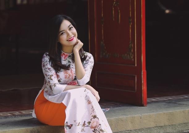 Thanh Ngoc diu dang trong ta ao dai co dien hinh anh 2