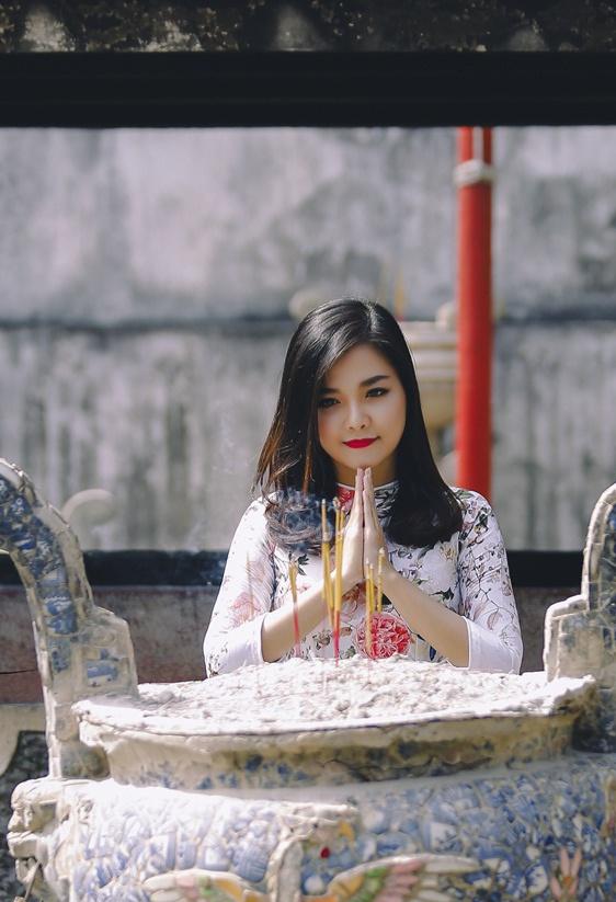 Thanh Ngoc diu dang trong ta ao dai co dien hinh anh 3