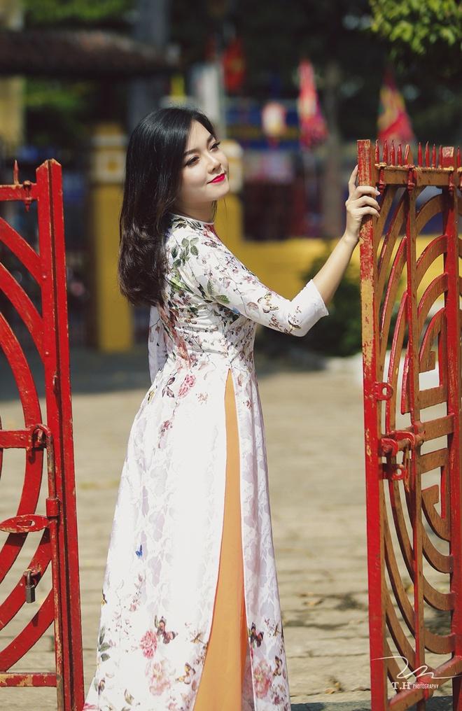 Thanh Ngoc diu dang trong ta ao dai co dien hinh anh 4