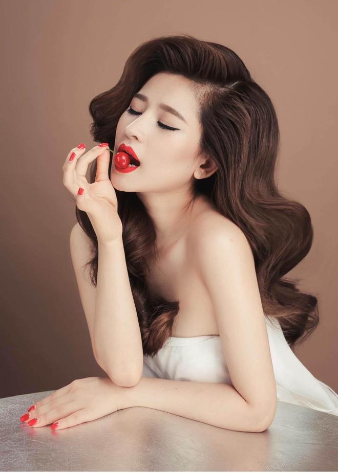 Ivy: 'Ho Quang Hieu lam viec co loi voi toi' hinh anh 2