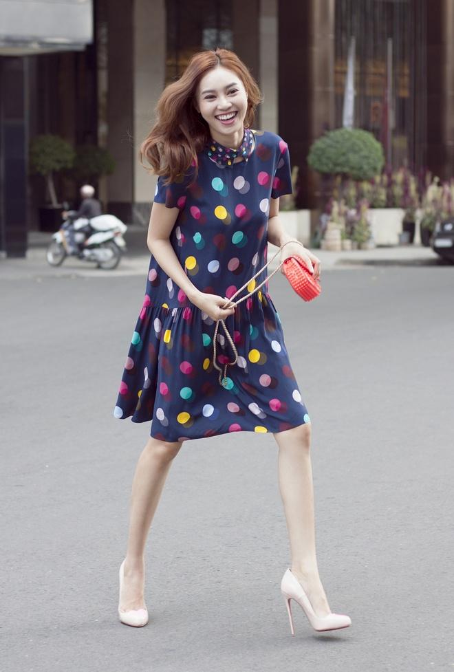 Ninh Duong Lan Ngoc dien trang phuc sac so dao pho hinh anh 1