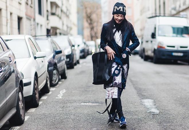 Thuy Trang dien street style ca tinh tren duong pho Paris hinh anh 6