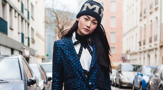 Thuy Trang dien street style ca tinh tren duong pho Paris hinh anh