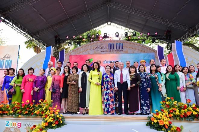 Khai mac Le hoi Ao dai: Ton vinh gia tri truyen thong Viet hinh anh 1