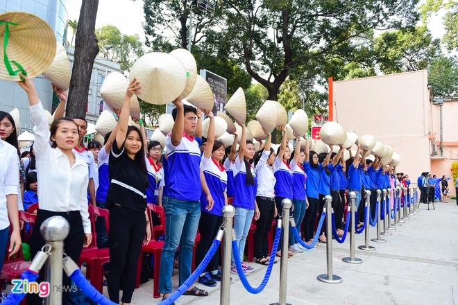Khai mac Le hoi Ao dai: Ton vinh gia tri truyen thong Viet hinh anh 9