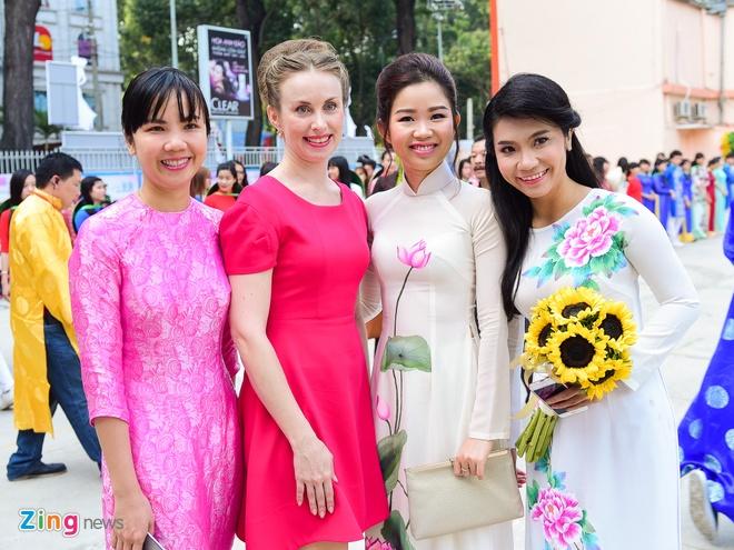 Khai mac Le hoi Ao dai: Ton vinh gia tri truyen thong Viet hinh anh 13