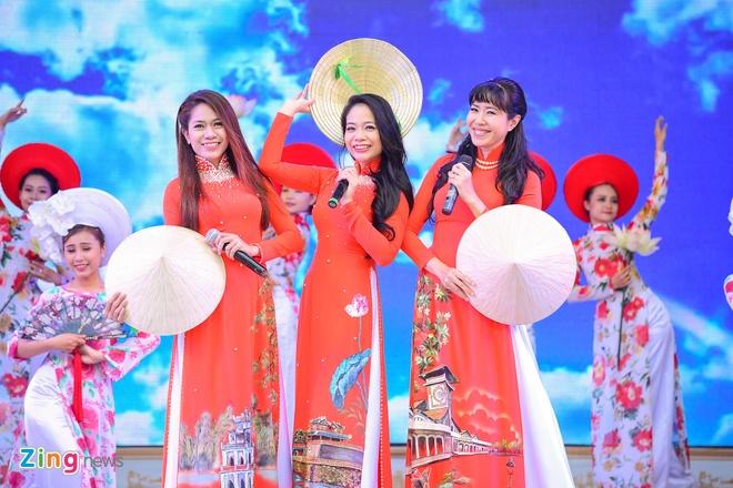 Khai mac Le hoi Ao dai: Ton vinh gia tri truyen thong Viet hinh anh 3