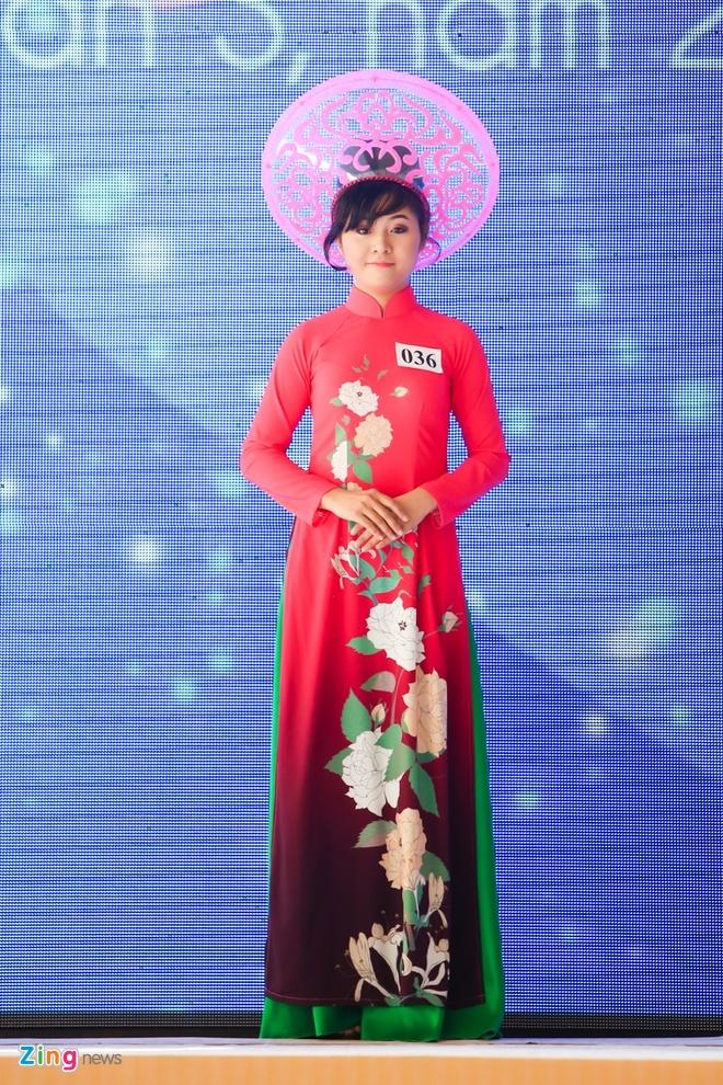 Ky Duyen rang ro lam giam khao Duyen dang Ao dai hinh anh 8