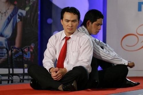 Binh Minh, Chi Bao on lai ky niem ve nha quay phim tu nan hinh anh 1