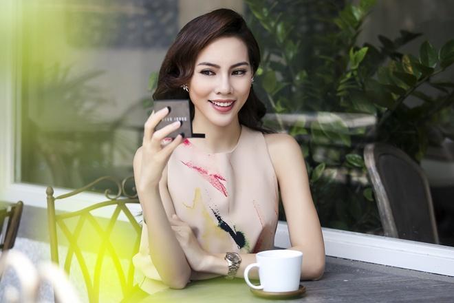 Bi quyet trang diem cho guong mat co go ma cao cua Le Quyen hinh anh