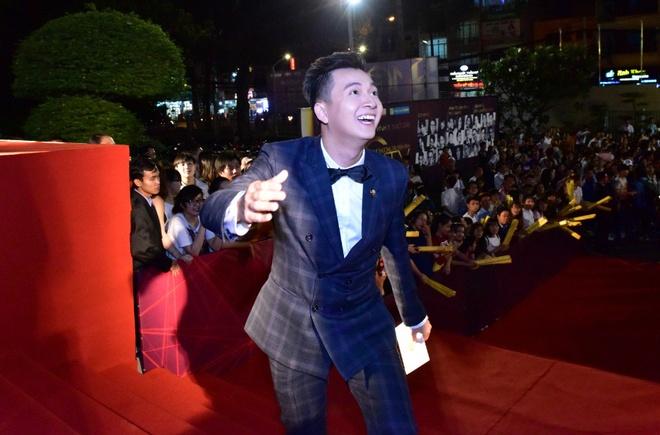 Hari Won va Tran Thanh tuoi tan tren tham do HTV Awards hinh anh 9