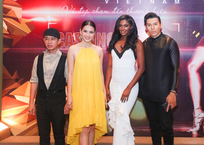 Nguoi mau Victoria's Secret cham casting The Face Viet hinh anh 2