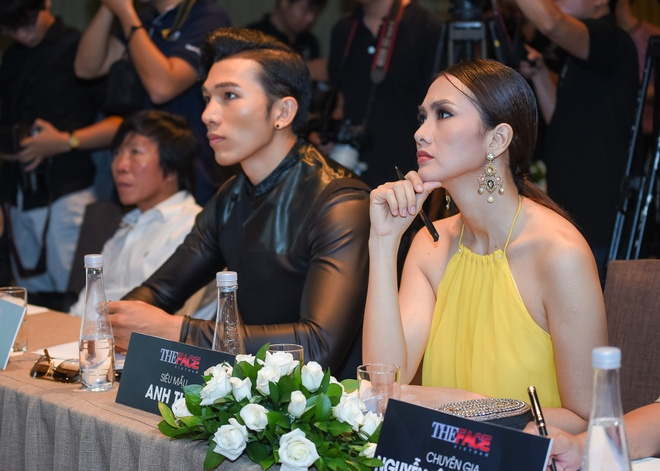 Nguoi mau Victoria's Secret cham casting The Face Viet hinh anh 3