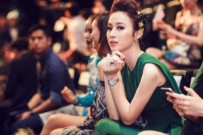 Angela Phuong Trinh dien bo do hieu hon 1 ty dong hinh anh 3