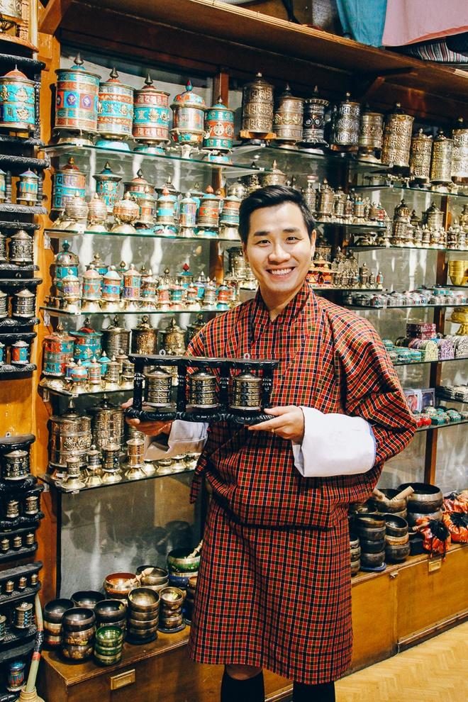 Nguyen Khang kham pha dat nuoc hanh phuc nhat the gioi hinh anh 6