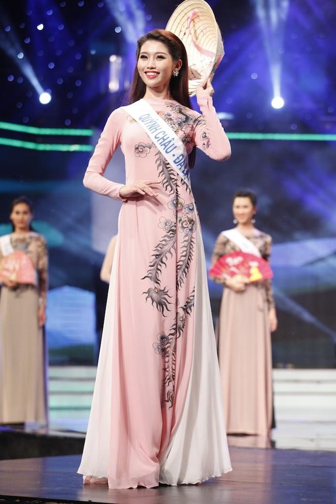 Nguoi mau Quynh Chau dan dau top 16 o Hoa khoi Ao dai hinh anh 1