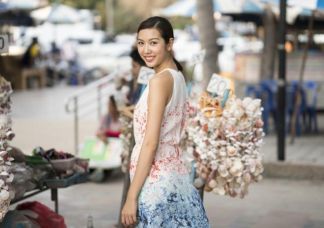 Thuy Van di du lich cung hoa hau Singapore va Thai Lan hinh anh 5