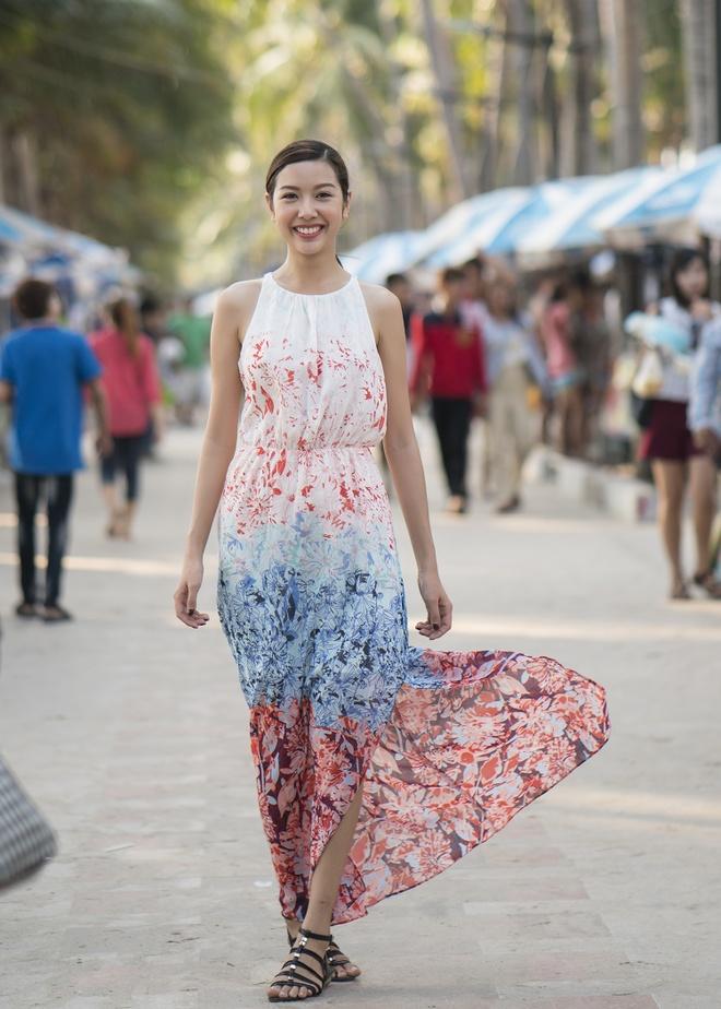 Thuy Van di du lich cung hoa hau Singapore va Thai Lan hinh anh 6