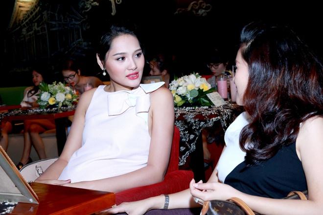 Hoa hau Huong Giang khoe bung bau 7 thang hinh anh 5
