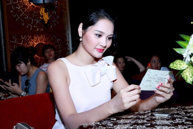Hoa hau Huong Giang khoe bung bau 7 thang hinh anh 6
