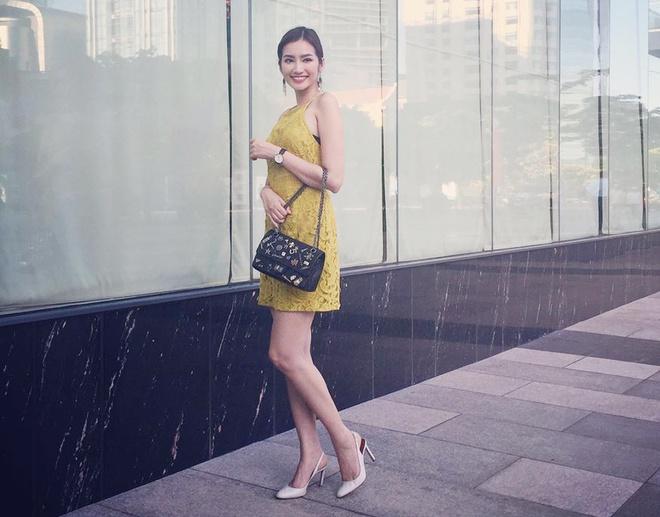 Street style chong nong sanh dieu cua sao Viet hinh anh 5