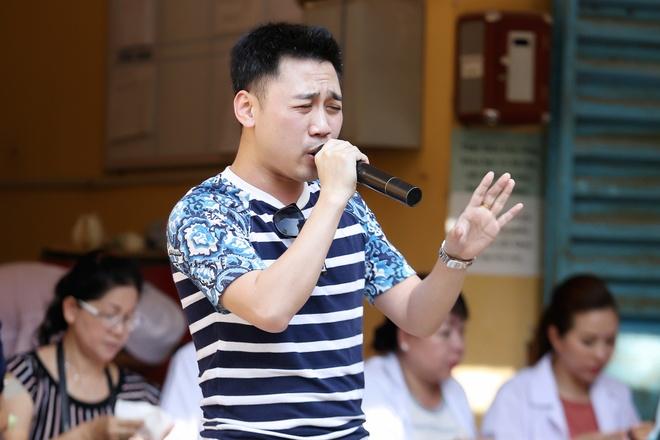 Pham Huong dien so-mi trang di lam tu thien hinh anh 8