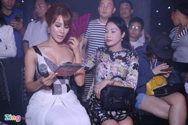 Tran Thanh o hau truong anh 8