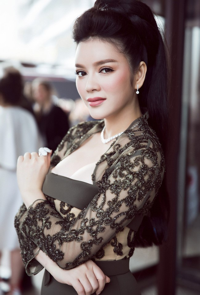 Ly Nha Ky len tieng ve nghi van lo nguc tren tham do Cannes hinh anh 1