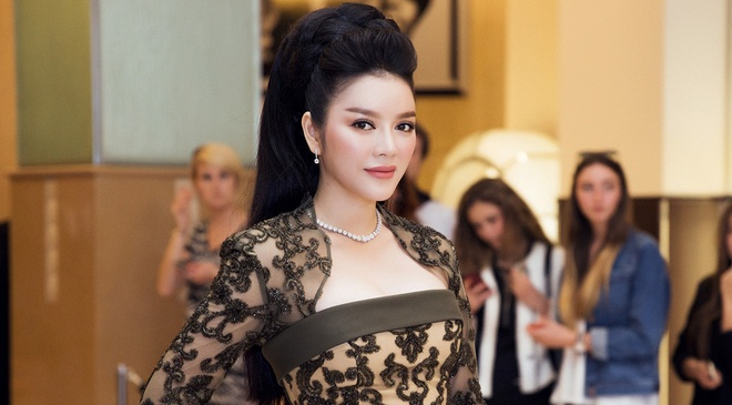 Ly Nha Ky len tieng ve nghi van lo nguc tren tham do Cannes hinh anh