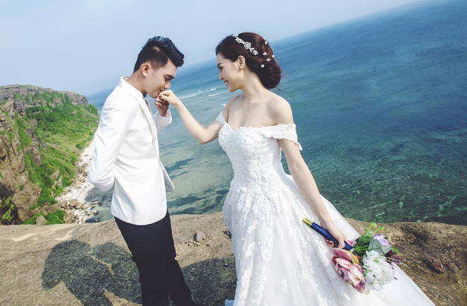 Quang Tuan - Linh Phi hon nhau trong anh cuoi o Ba Na hinh anh 4