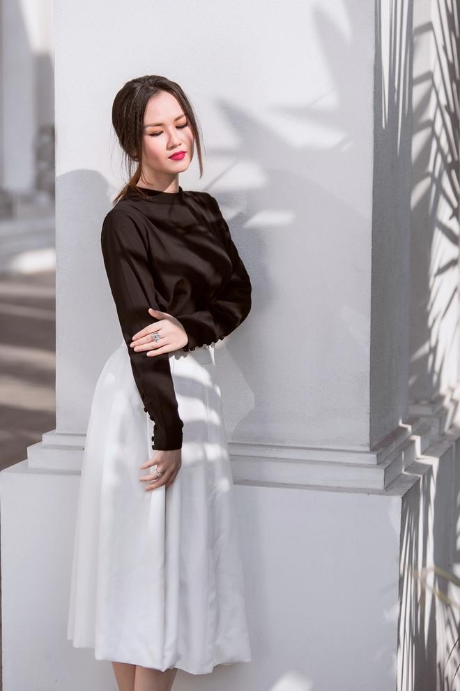 Vo Ha Tram goi y trang phuc trang den cho nang 'nam lun' hinh anh 9