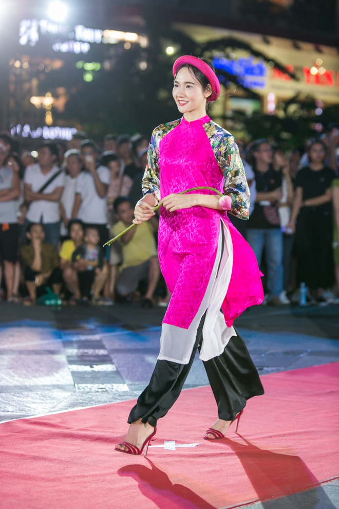 Luong The Thanh cham soc ba xa Thuy Diem trong show dien hinh anh 10