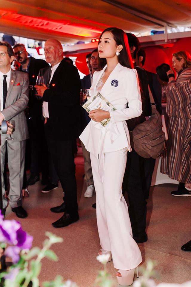 Sao 'Hoa vang co xanh' duoc ban trai thap tung den Cannes hinh anh 3