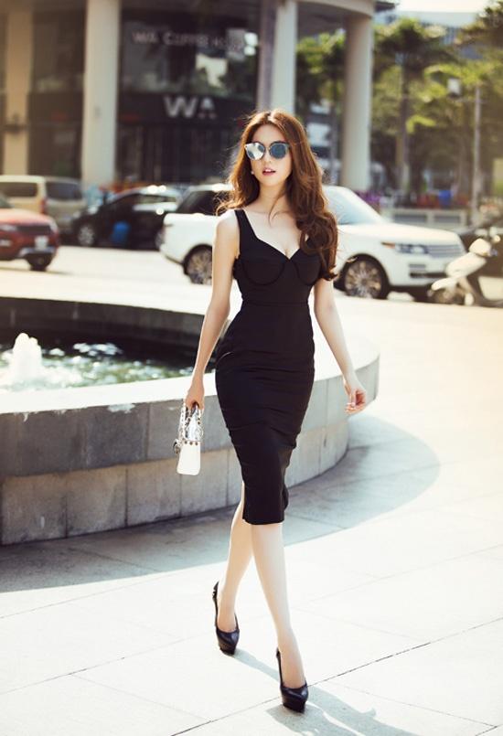 Minh Hang, Pham Huong dien street style noi bat tuan qua hinh anh 7